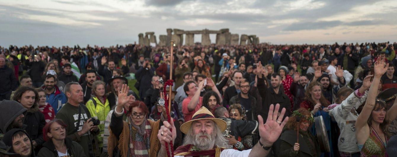 Друиды, шаманы и виккане встретили день летнего солнцестояния в Стоунхендже