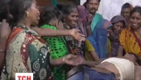 В Индии молнии убили 93 человека