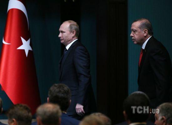 Ердоган летить на зустріч із Путіним після авіаудару по турецькому конвою у Сирії