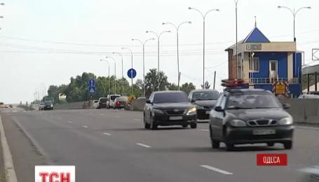 Украинцы массово возвращаются домой после затяжных выходных