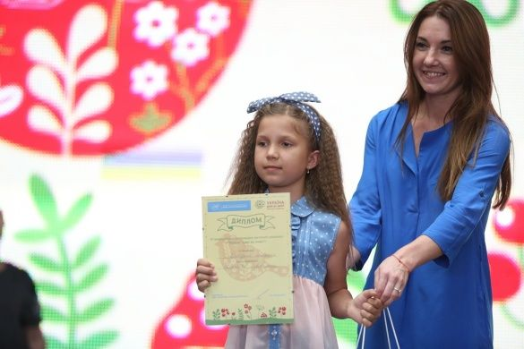 2.Фіналістка конкурсу в номінації «Майбутні покоління» Ангеліна Полякова