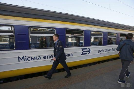 У Києві через ремонт на три обмежать рух міської електрички та закриють три станції