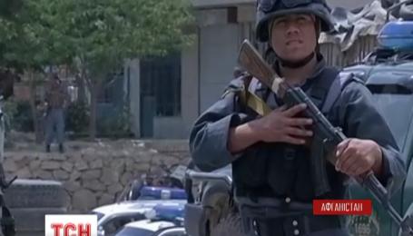 В столице Афганистана террорист-смертник атаковал автоколонну с выпускниками полицейской академии