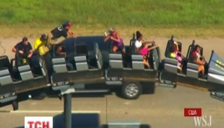 В Оклахоме на американских горках среди крутого спуска застряло восемь человек