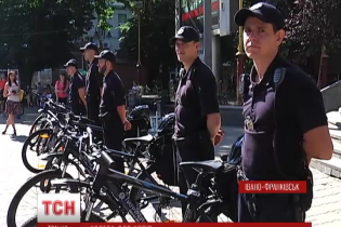 В Ивано-Франковске начали курсировать полицейские велопатрули