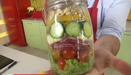 Рецепт овощного салата с моцареллой от Руслана Сеничкина