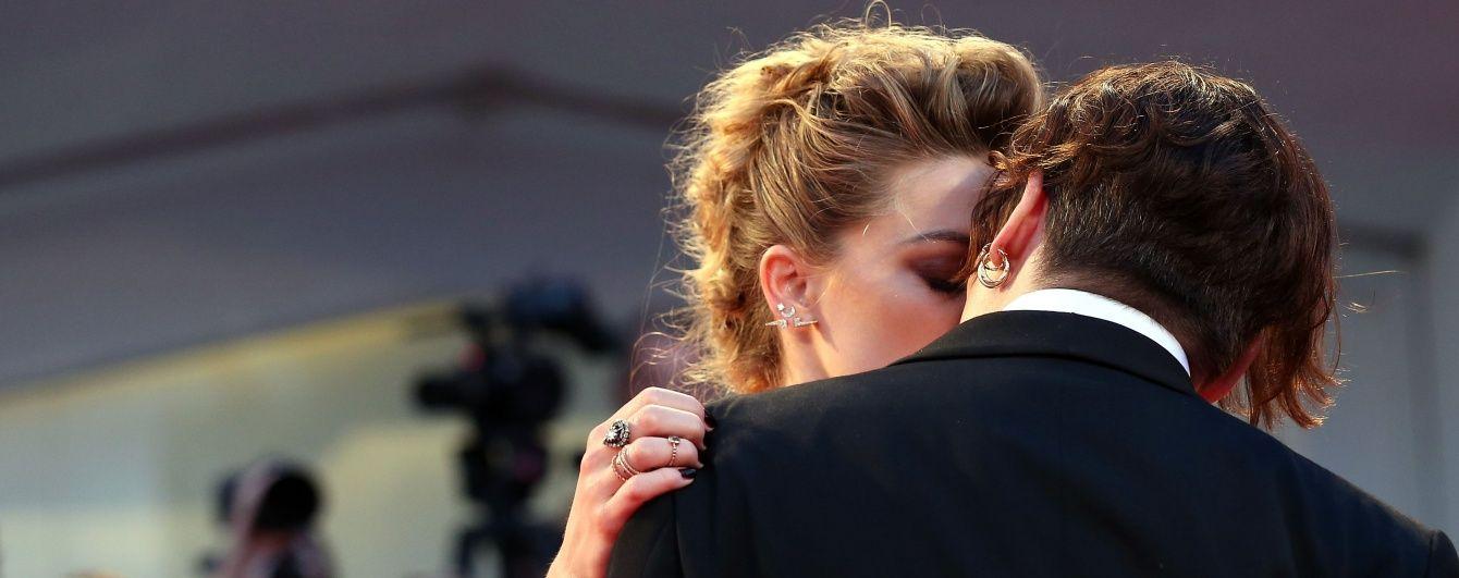 Навстречу празднику: 10 лучших  звездных поцелуев