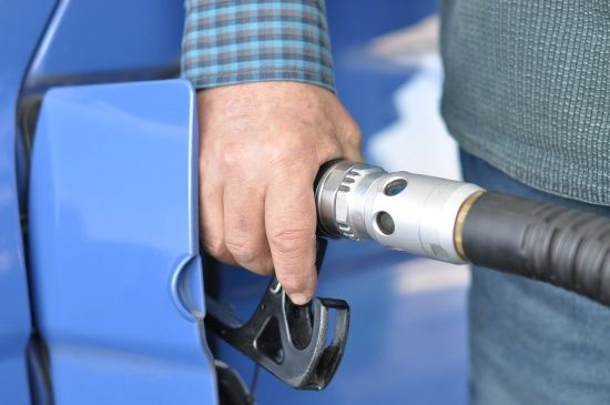 Скільки коштує заправити авто на АЗС уранці 25 вересня