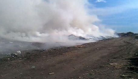 Под Киевом вблизи элитной Конча-Заспы вспыхнул пожар на свалке