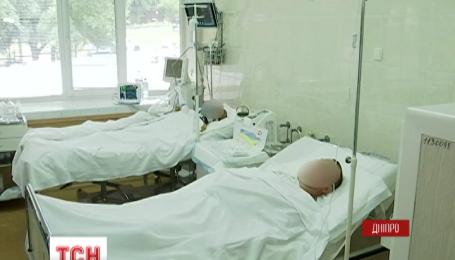 Двух тяжелораненых бойцов доставили в больницу имени Мечникова