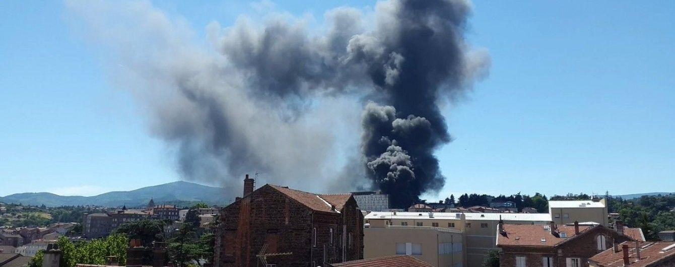 У Франції на території лікарні пролунали два вибухи
