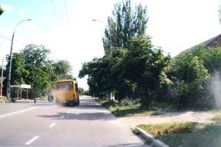 У Херсоні в маршрутки на ходу відлетіли колеса