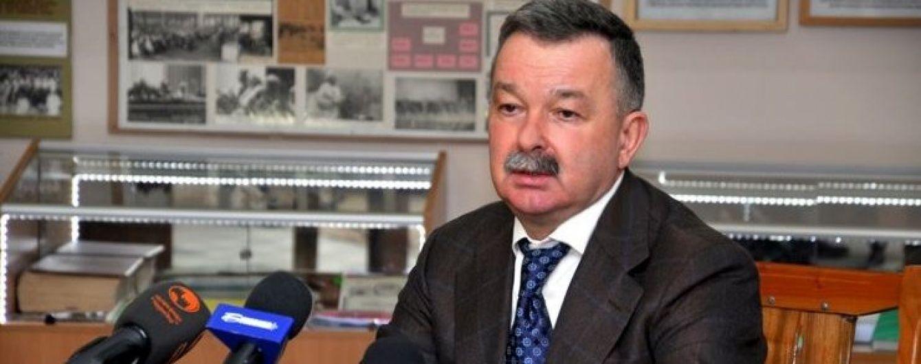 Торби з грошима та зброя. СБУ показала відео обшуку хабарника Василишина та його поплічника