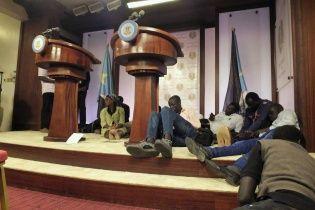 В результаті перестрілки біля президентського палацу в Південному Судані загинули десятки людей