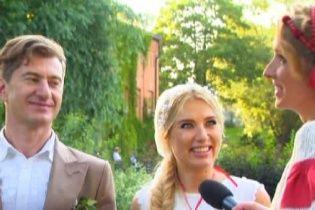 Новоспечена дружина Нікітіна розповіла, як створювалася її унікальна весільна сукня