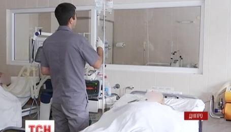 Четырех раненых бойцов отправили на вертолете в больницы Днипра