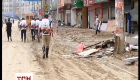На сході Китаю ліквідують наслідки тайфуну Непартак