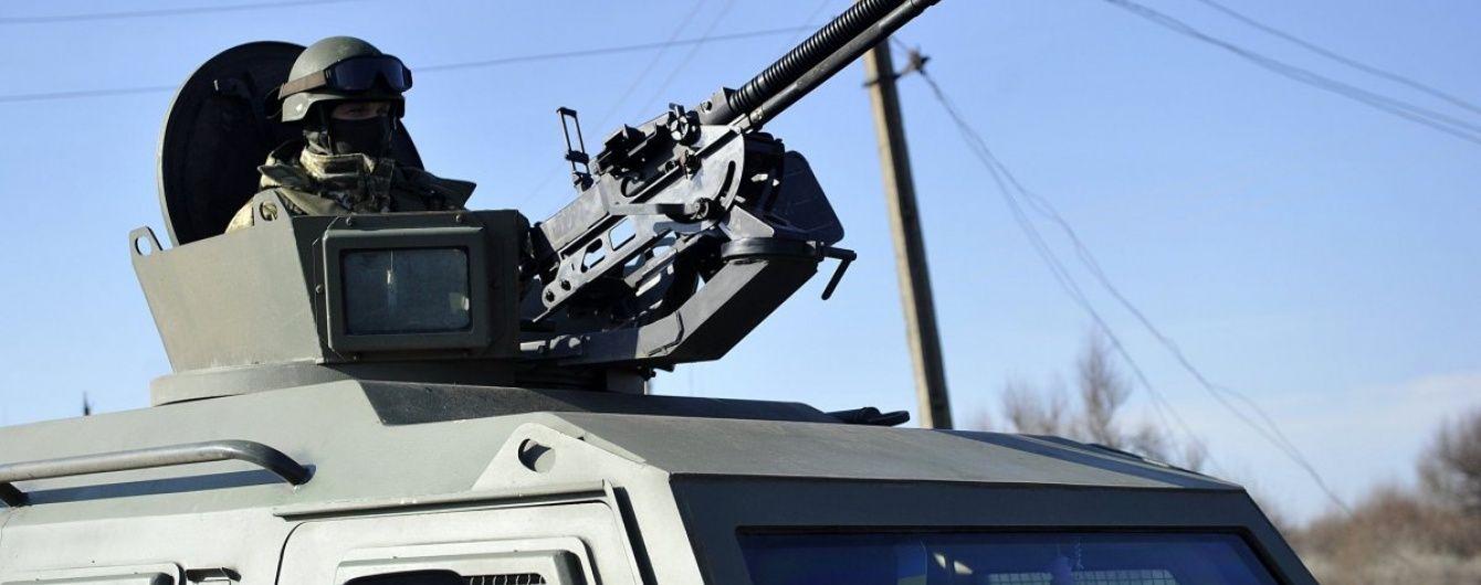 Від початку доби на Донбасі поранено двох українських військових