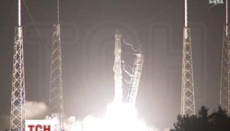 SpaceX успішно запустила вантажний корабель на Міжнародну космічну станцію