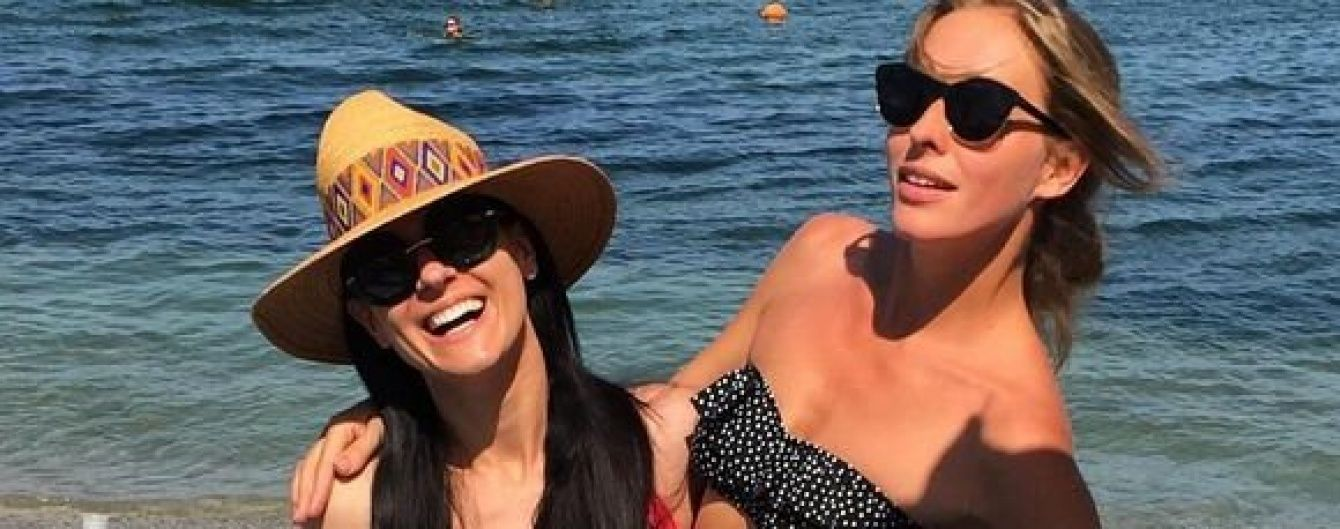 Звезды в бикини: Осадчая и Ефросинина показали, как загорали на одесском пляже
