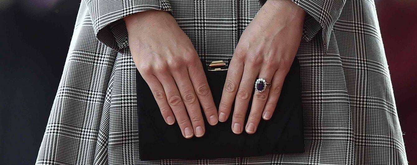 Чье помолвочное кольцо красивее: Пиппы Миддлтон vs герцогини Кембриджской