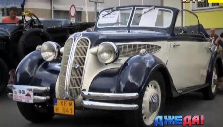 Уникальные ретро-автомобили показали в Словакии