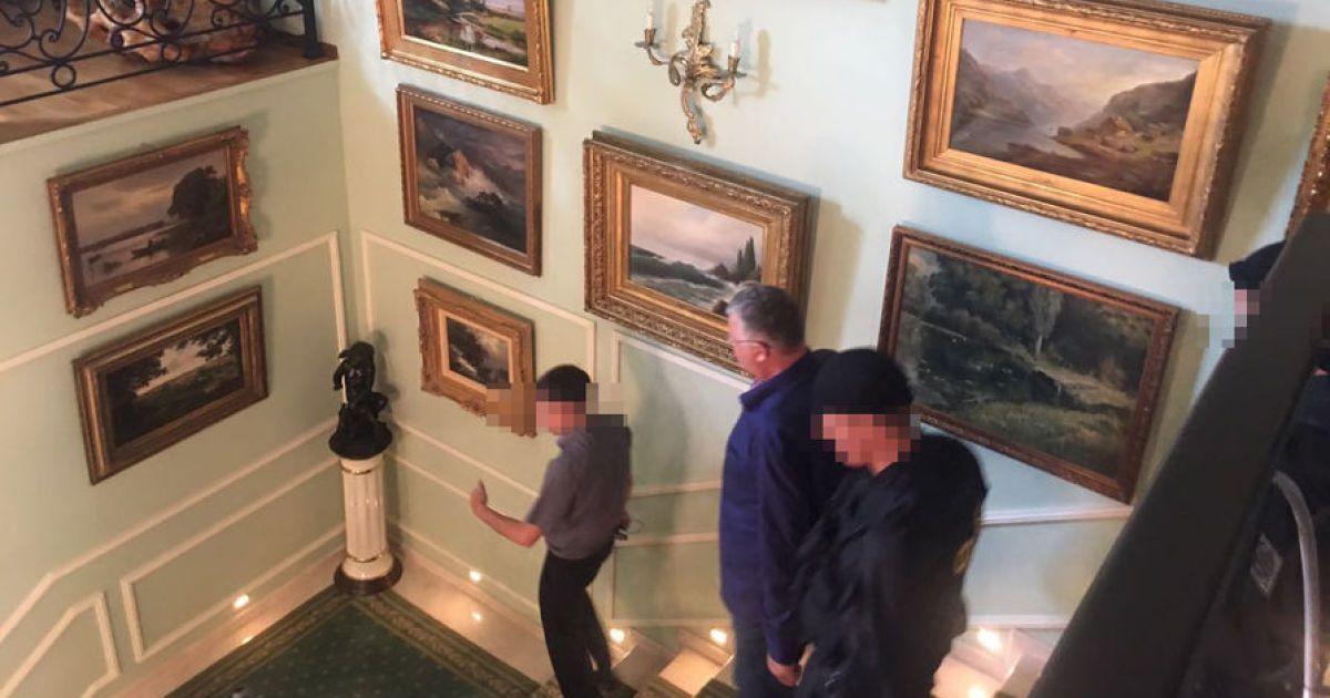 Голова митної служби та його колишній соратник, ймовірно, мали стосунок до контрабанди @ Газета.ru