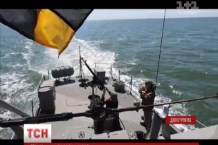 Маріупольскі прикордонники провели бойові стрільби в Азовському морі
