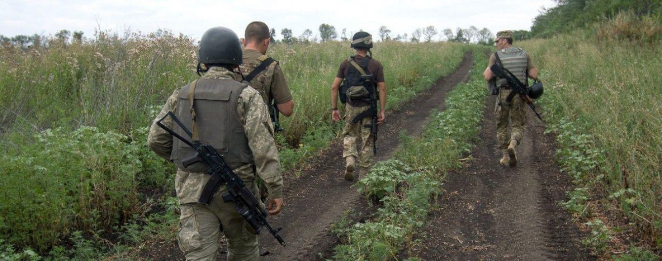 Посеред ночі бойовики гатили по населених пунктах навколо Донецька. Хроніка АТО