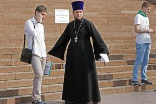 Охваченный пламенем Патриарх Кирилл и песни Шнура. Как в Сети отреагировали на крестный ход