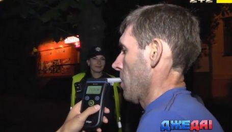 Первый пошел: полицейские начали выписывать новые штрафы пьяницам