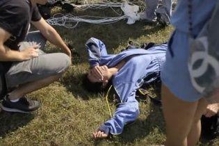 Настя Каменських оприлюднила моторошне відео свого приземлення під час стрибка з парашутом