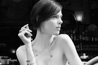 Выглядит изысканно: Коко Роша рекламирует ювелирные украшения