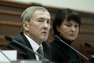 Суд разрешил следователям ГПУ задержать Черновецкого