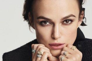 Сдержанная и элегантная: Кира Найтли в рекламе украшений Chanel