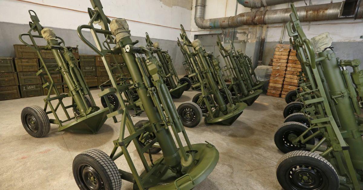 У Красногорівці внаслідок обстрілу бойовиків постраждала лікарня