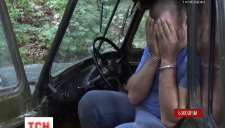 На Буковине пограничники со стрельбой задержали контрабандиста на внедорожнике