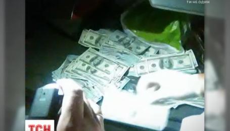 Правоохранители задержали скандально-известного судью на взятке в 150 тысяч долларов