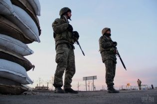 На адмінмежі з окупованим Кримом ввели обмеження для росіян