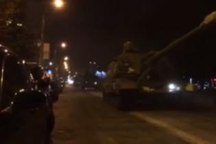 Киян налякала колона військової бронетехніки у центрі столиці