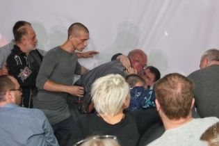 В Одессе лекция эпатажного художника Павленского закончилась поножовщиной