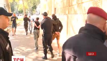 """В Одессе неизвестные силой пытались сорвать """"Марш равенства"""""""