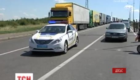 На границе с Польшей образовались огромные очереди