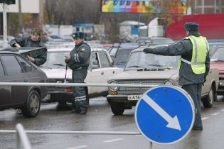В России пьяный гвардеец открыл огонь из ружья по дорожным инспекторам и застрелился