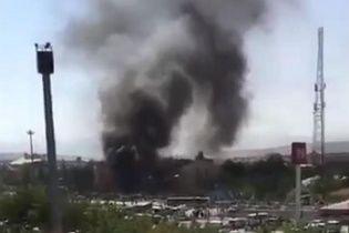 Через вибух замінованого авто у Туреччині загинуло щонайменше 3 осіб