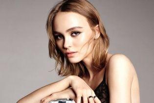 Лили Роуз-Депп в рекламной кампании Chanel N°5
