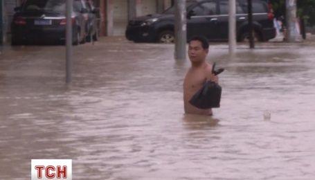 Восьмой тайфун за этот год налетел на Китай