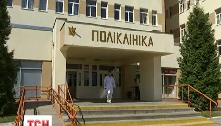 Во Львове 77-летнего дедушку изнасиловали в туалете поликлиники