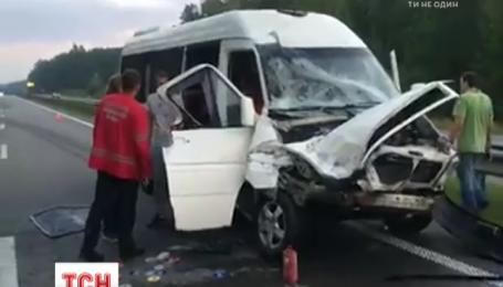 """Мікроавтобус музикантів гурту """"ТНМК"""" потрапив у ДТП через недбалість водія"""
