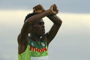 СМИ в восторге от эфиопского бегуна, который в Рио открыто выступил против своего правительства